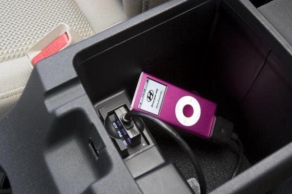 USB Charging Through USB/AUX Port | Hyundai Forums
